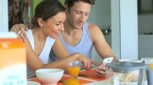 Couple eating fertility breakfast